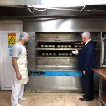 Belediye Başkanımız Sayın Rasim YÜKSEL, Velimeşe´deki Halk Ekmek Fırınımızı ziyaret etti.